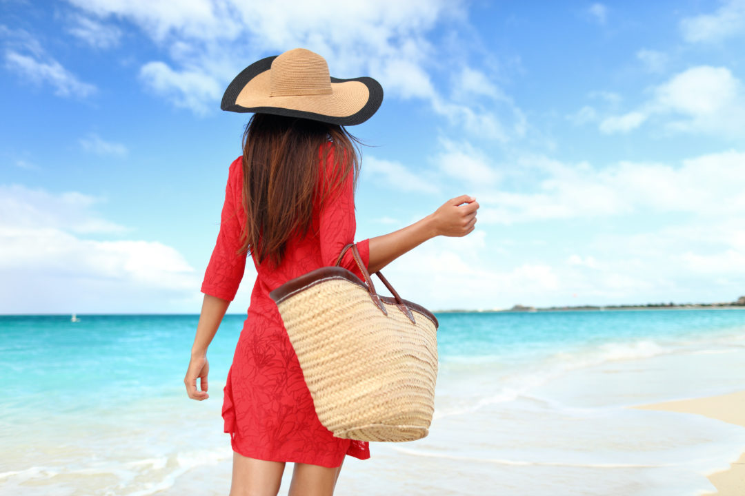 4b4202e819 10 Essentials Items You Must Have In Your Beach Bag